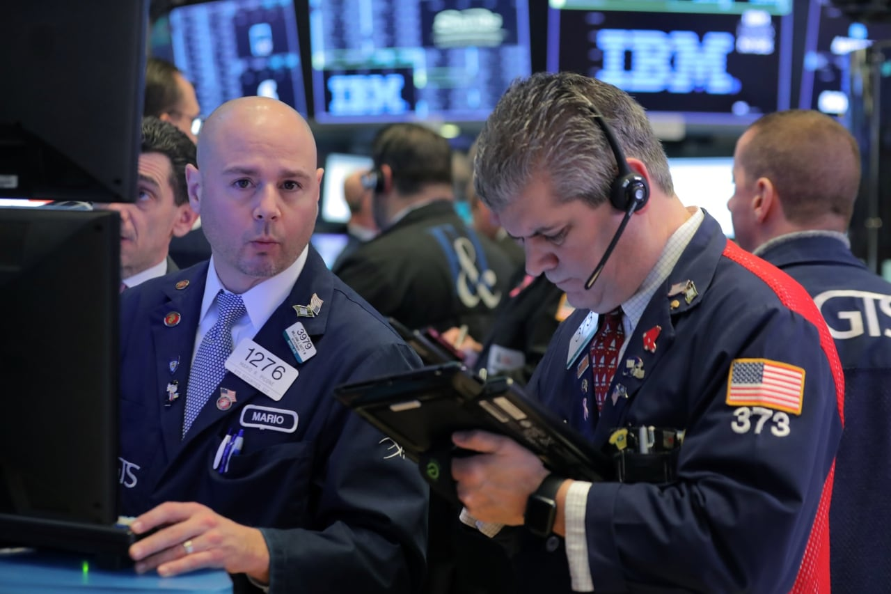 2. US: The Dow Jones Industrial Average fell 48.49 points, or 0.18 percent, to 26,511.05, the S&P 500 gained 2.94 points, or 0.10 percent, to 2,907.97 and the Nasdaq Composite added 17.21 points, or 0.22 percent, to 8,015.27. (Image: Reuters)