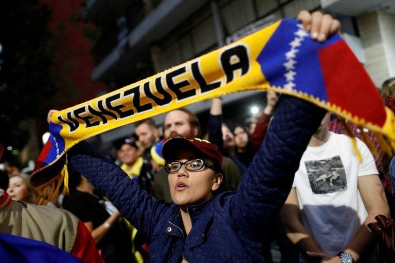 US seeks to cut off money for Venezuela's Maduro, aid opposition