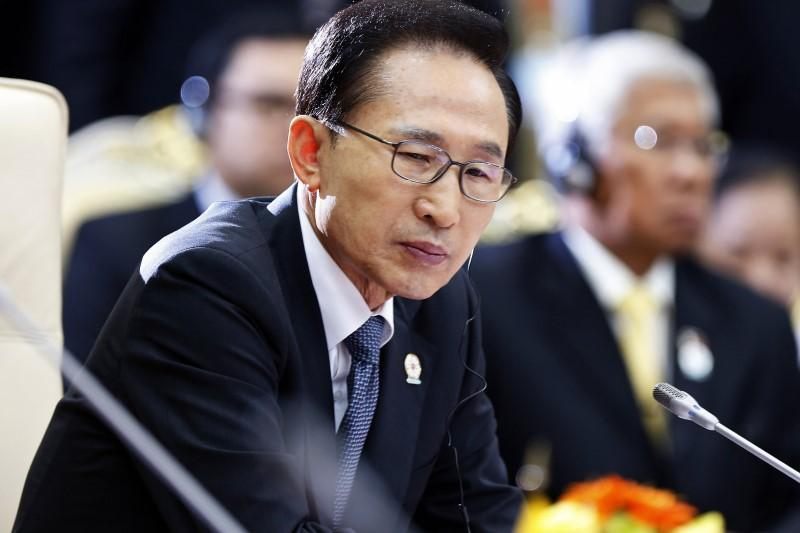 2. Lee Myung-bak: The former President of South Korea graced the 61st Republic Day celebrations in 2010. Apart from sharing diplomatic relations with South Korea, several South Korean companies and industries also invest in India. (Image Source: Reuters)