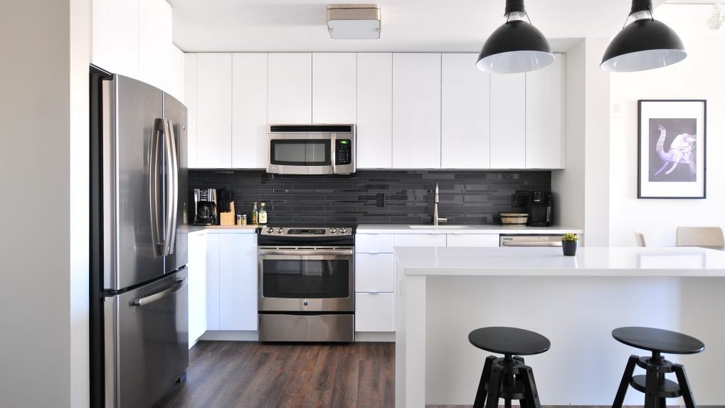 Here are 7 tips to keep your kitchen mess-free