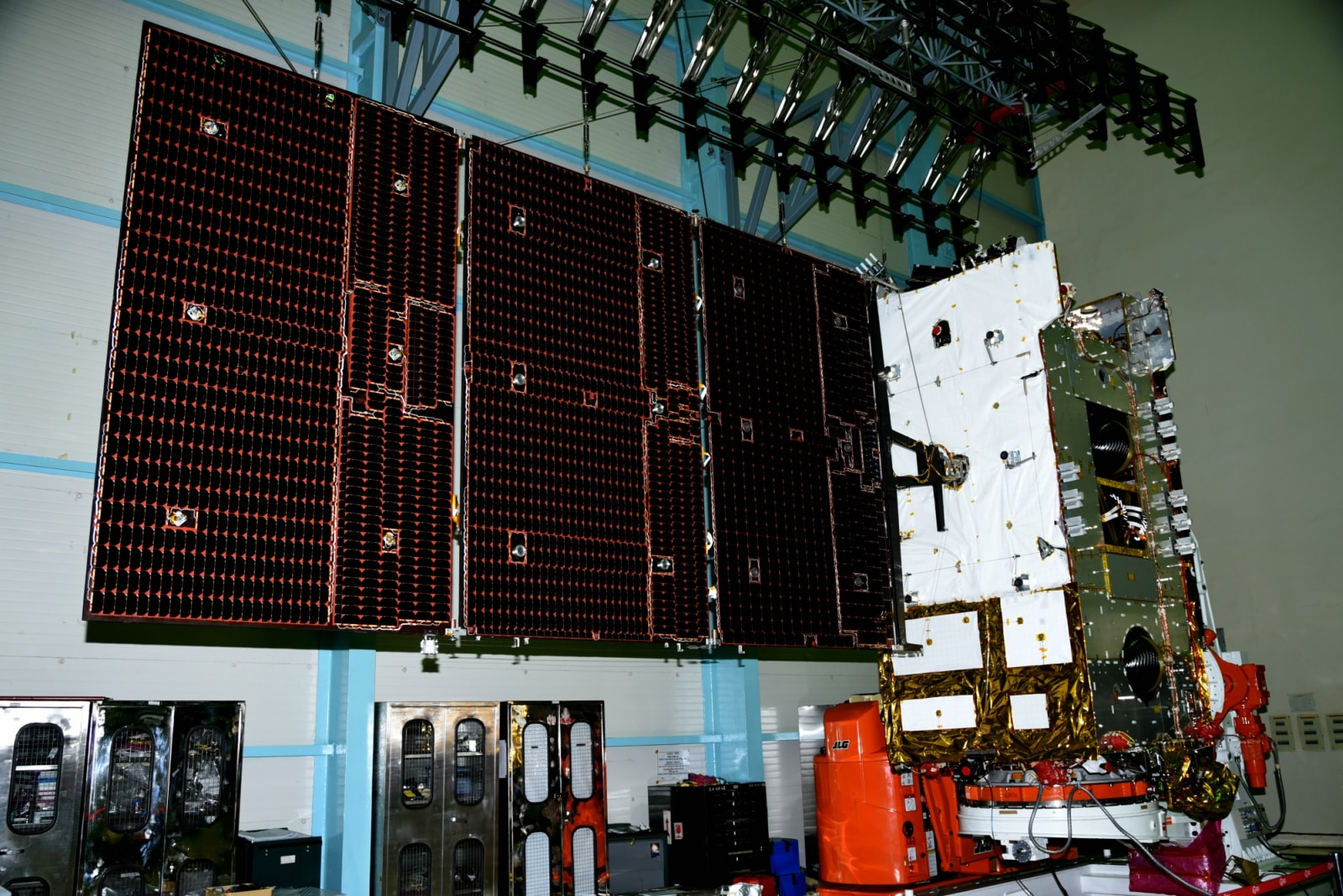 IsraAl said that GSAT-31 was the 23rd ISRO satellite orbited by Arianespace and Ariane-series launchers, tracing the relationship back to India's APPLE small experimental communications spacecraft, lofted in 1981 by an Ariane 1 version.