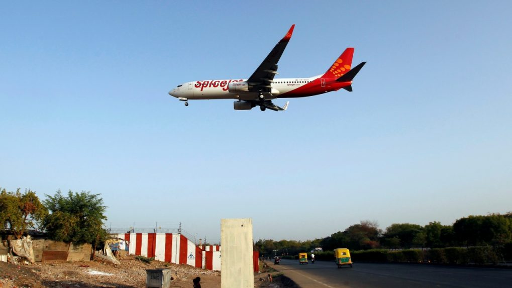 SpiceJet loaders go on strike at Mumbai airport, baggage delivery delayed