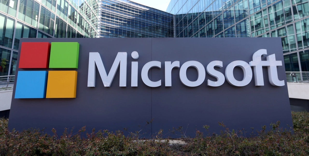<strong>3.</strong> Microsoft: The cloud computing services company is valued at $125.3 billion.