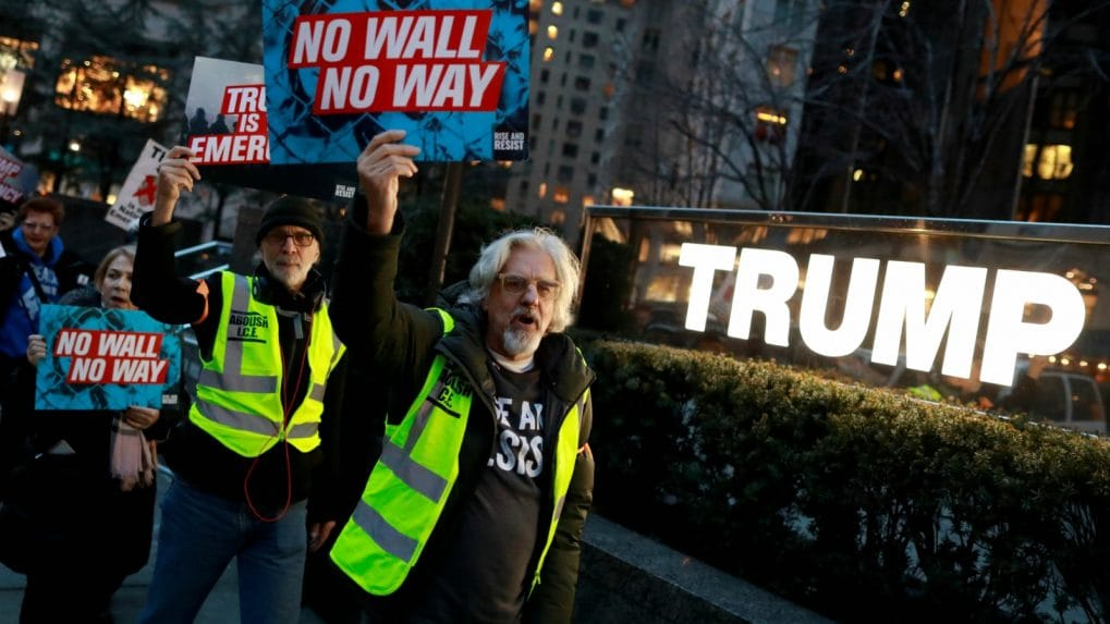 US House passes bill rejecting Trump's border wall emergency