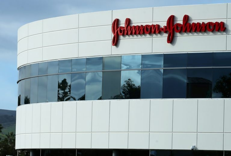 Johnson & Johnson's nasal spray for depression wins FDA panel backing