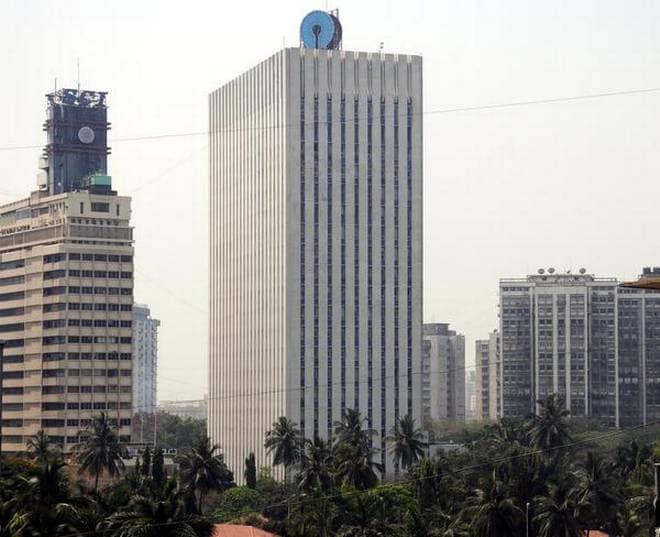 6. State Bank of India (SBI): Chairman: Rajnish Kumar. Brand Value: Rs 25,620 crore.