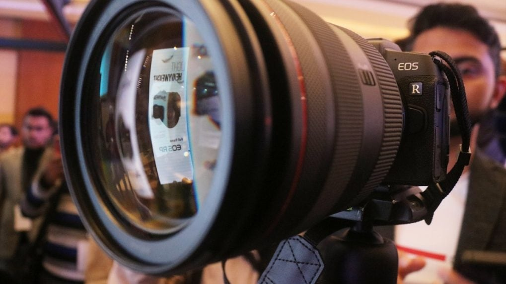 Full-frame mirrorless cameras to click our next India story, says Canon