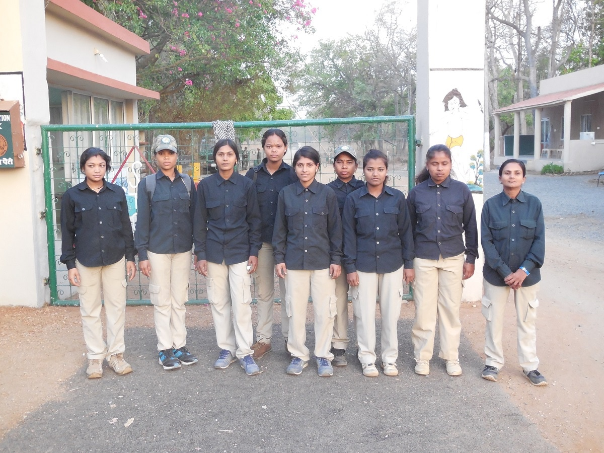 A group of women safari guides poses for a photo at Pench Tiger Reserve. (Photo credit: Satpuda Foundation)