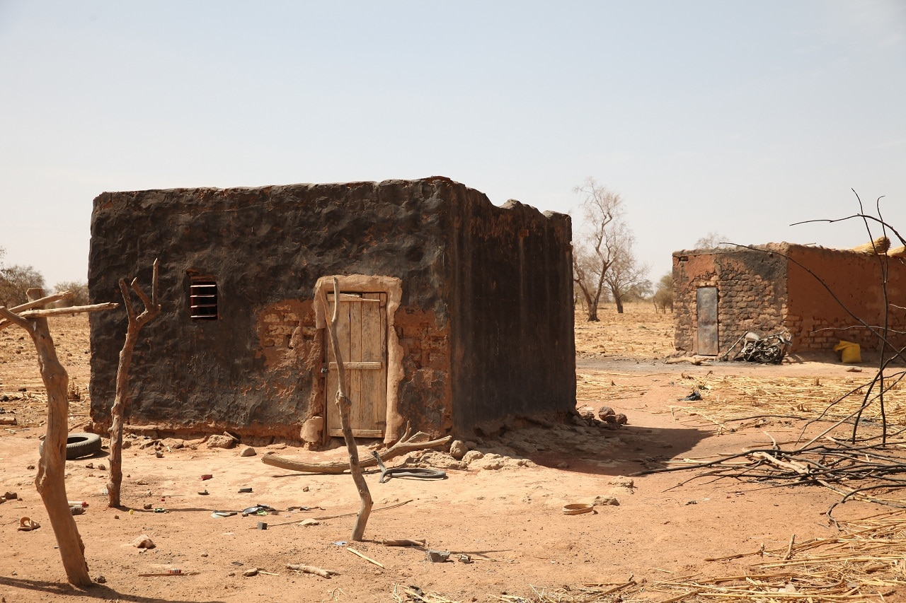 Houses that were burnt in an attack near Foube, Burkina Faso, March 2, 2019. (Reuters)