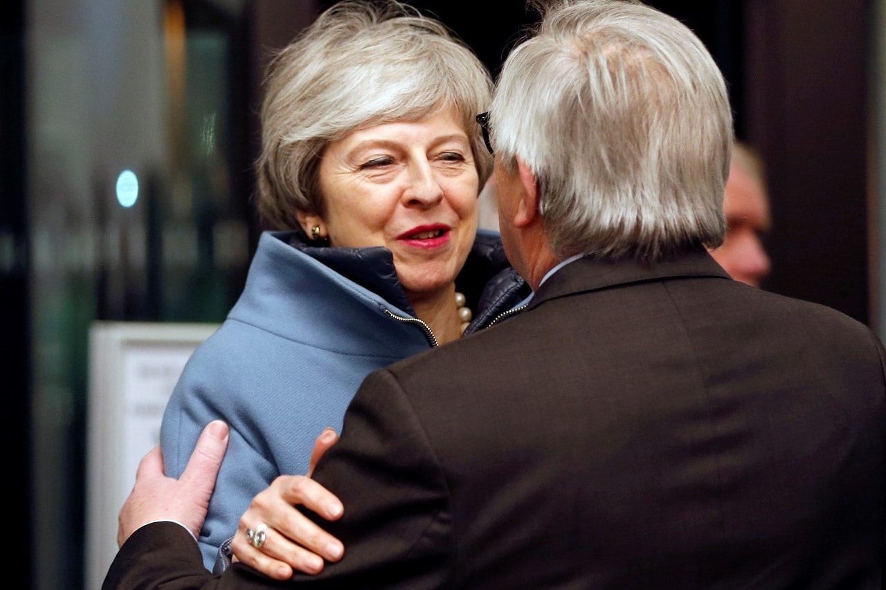 European Commission President Jean-Claude Juncker welcomes British Prime Minister Theresa May in Strasbourg, France March 11, 2019. (Reuters)
