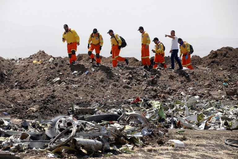 Ethiopian crash report shows pilots wrestling with controls