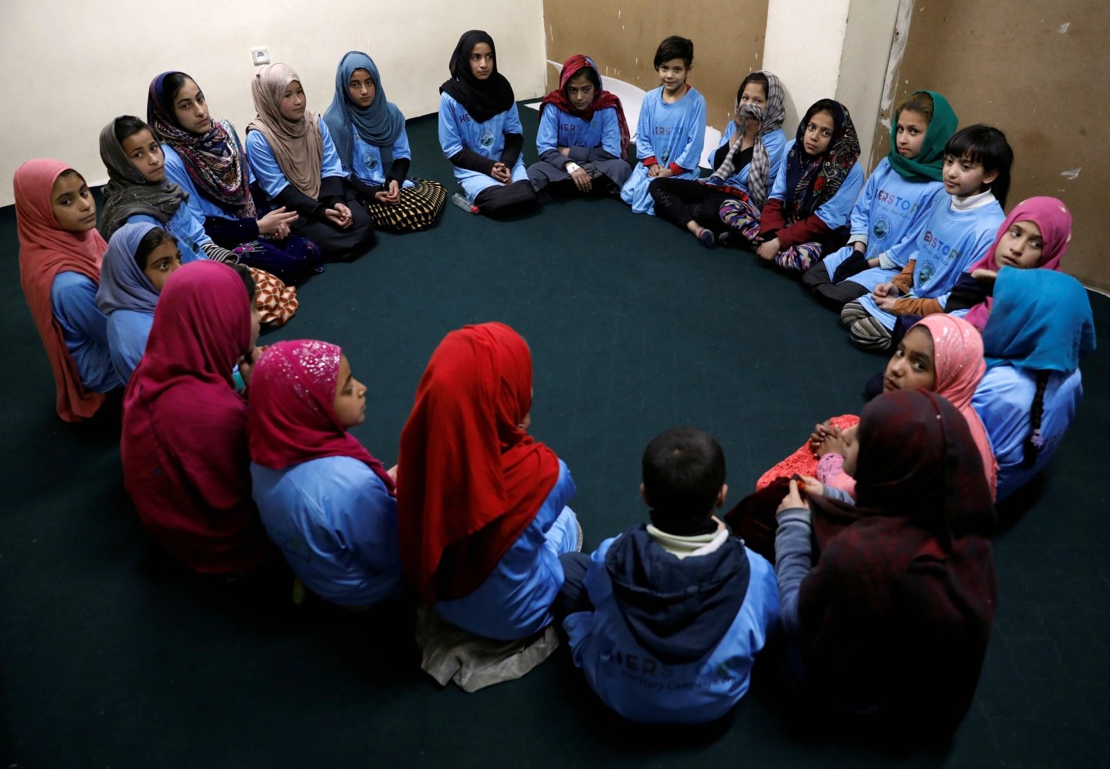 Afghan girls attend a class at the Aschiana center in Kabul, Afghanistan March 5, 2019. REUTERS/Mohammad Ismail