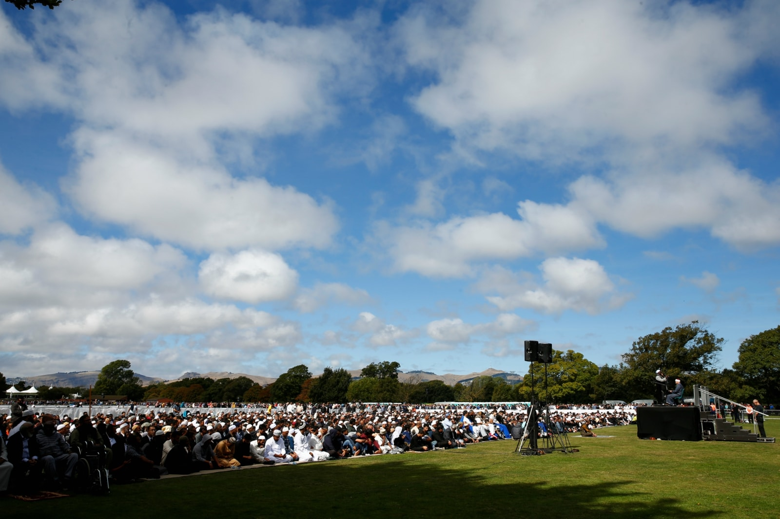 A general view during Friday prayers at Hagley Park outside Al-Noor mosque in Christchurch, New Zealand March 22, 2019. REUTERS/Edgar Su