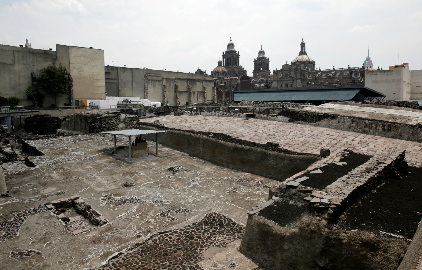 A general view of the ruins of the Aztecs' most important temple, known as the Templo Mayor, where the latest sacrificial offerings were found in downtown Mexico City, Mexico June 7, 2017. REUTERS/Henry Romero
