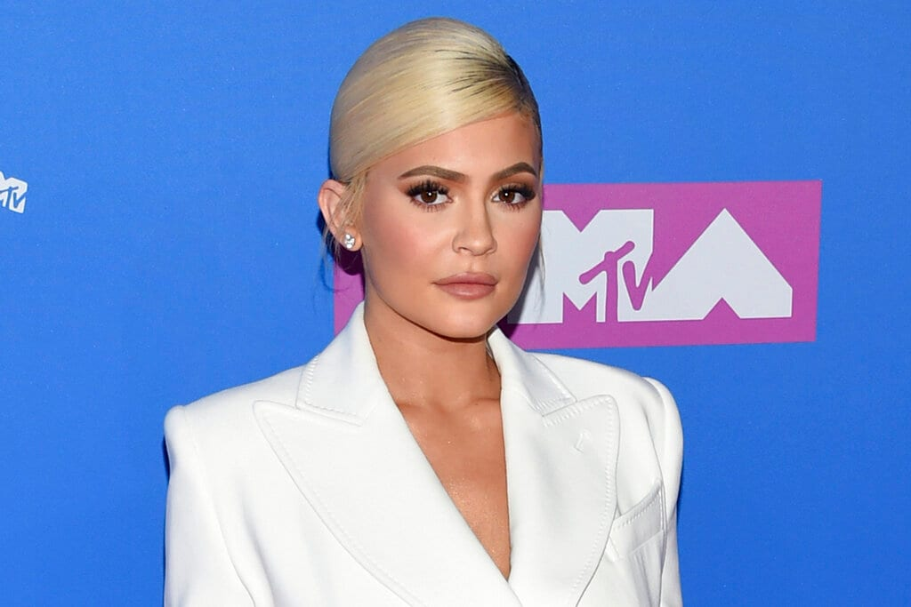Kylie Jenner: Net Worth: $1 billion. At the age of 21, Kylie Jenner, of the Jenner-Kardashian fame became the youngest self-made billionaire, surpassing Facebook CEO Mark Zuckerberg. Forbes estimated that Jenner's Kylie Cosmetics is worth at least $900 million, and she owns it all. She hits the billion-dollar mark when you add in cash she has already pulled from the profitable business.