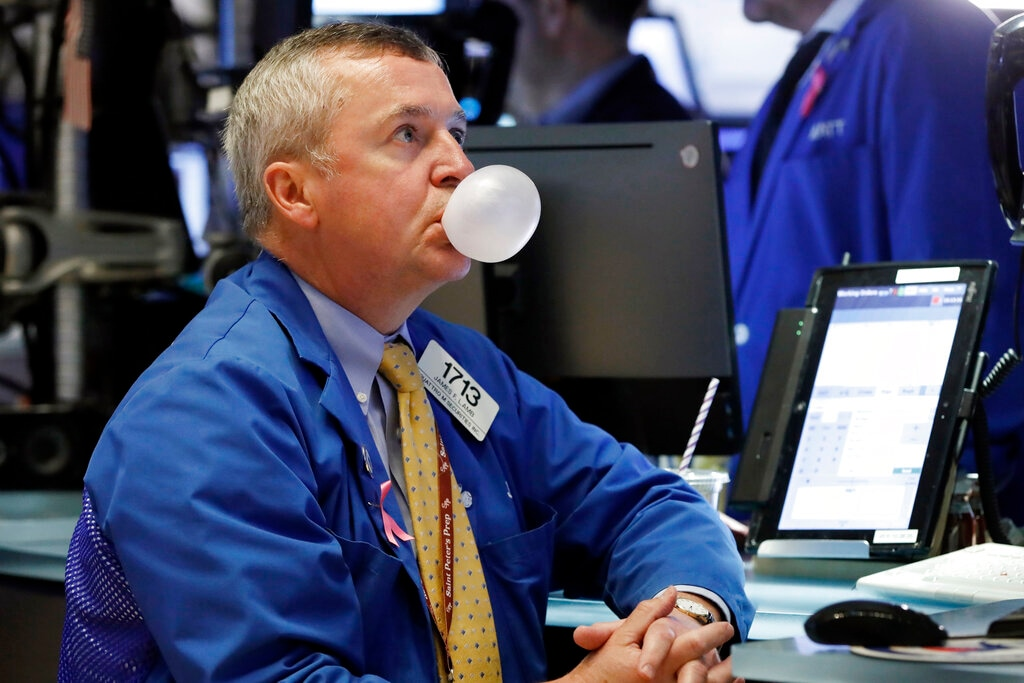 2. US stocks rebounded on Friday as an ebbing bond rally and news of potential German economic stimulus brought buyers back to the equities market, closing the book on a tumultuous week, reported Reuters. The Dow rose 306.62 1.2 percent, the S&P 500 gained 1.44 percent and the Nasdaq added 1.67 percent. (Image: AP)