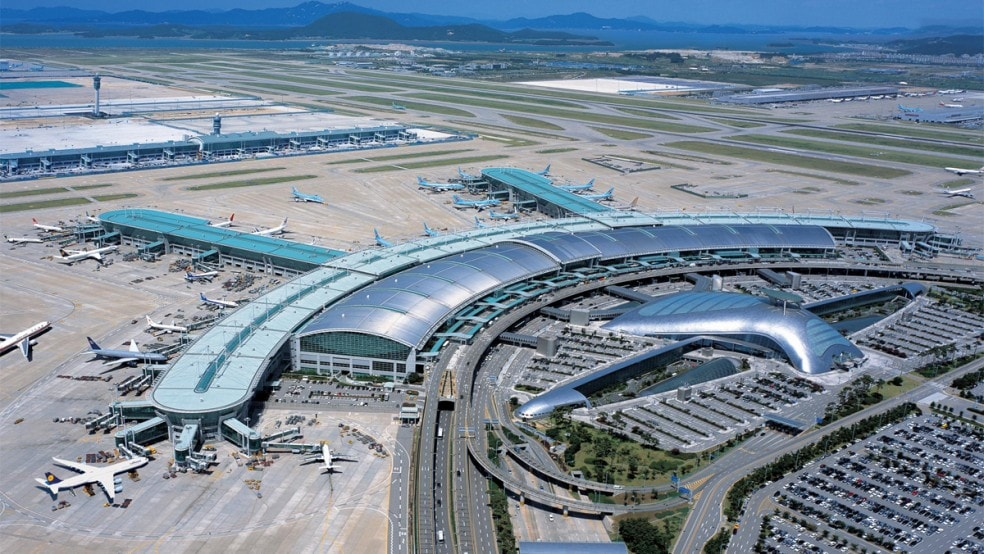 3. Incheon International Airport, Seoul: With the goal of being the hub airport of Northeast Asia, Incheon International Airport has become no. 7 airport in the world in terms of international passengers and no. 2 in international cargo. It is also the largest airport in South Korea and one of the busiest airports in the world.