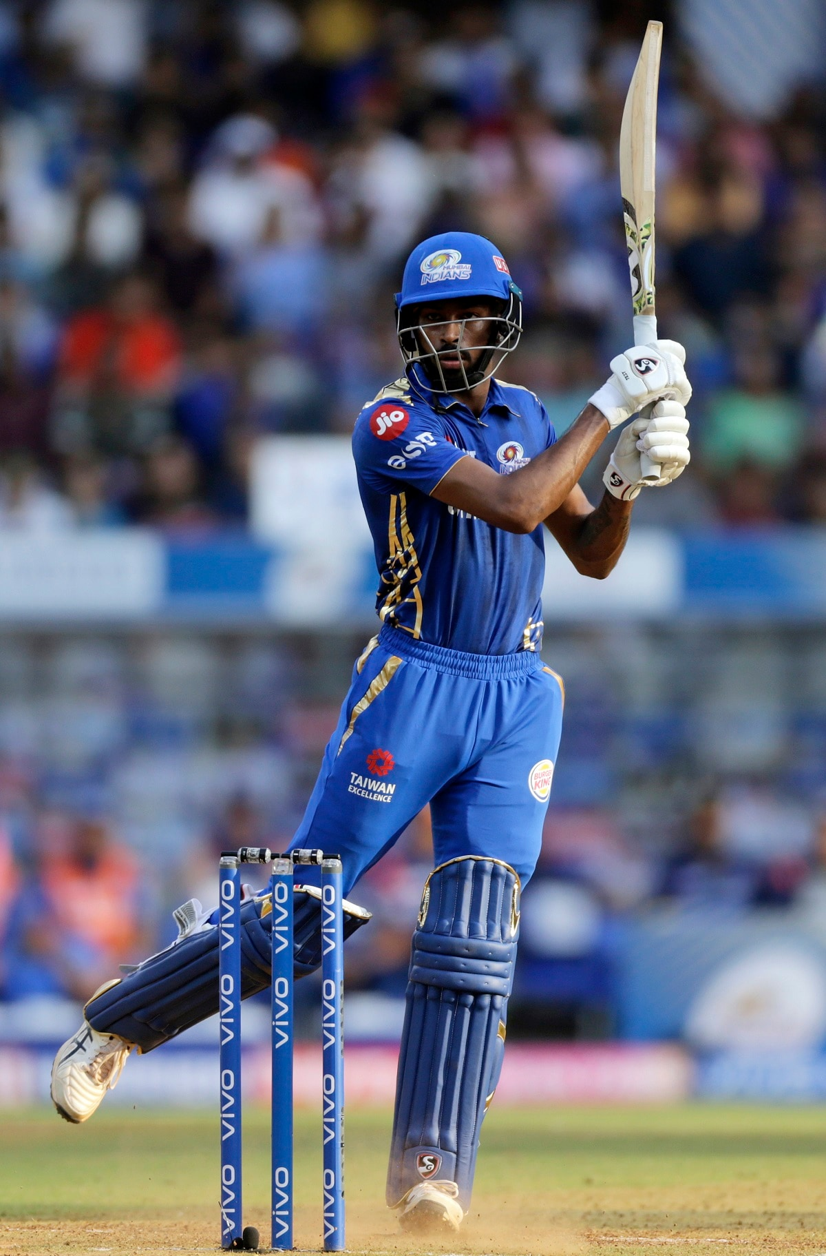 Mumbai Indians' Hardik Pandya bats during the VIVO IPL T20 cricket match between Mumbai Indians and Rajasthan Royals. (AP Photo/Rajanish Kakade)
