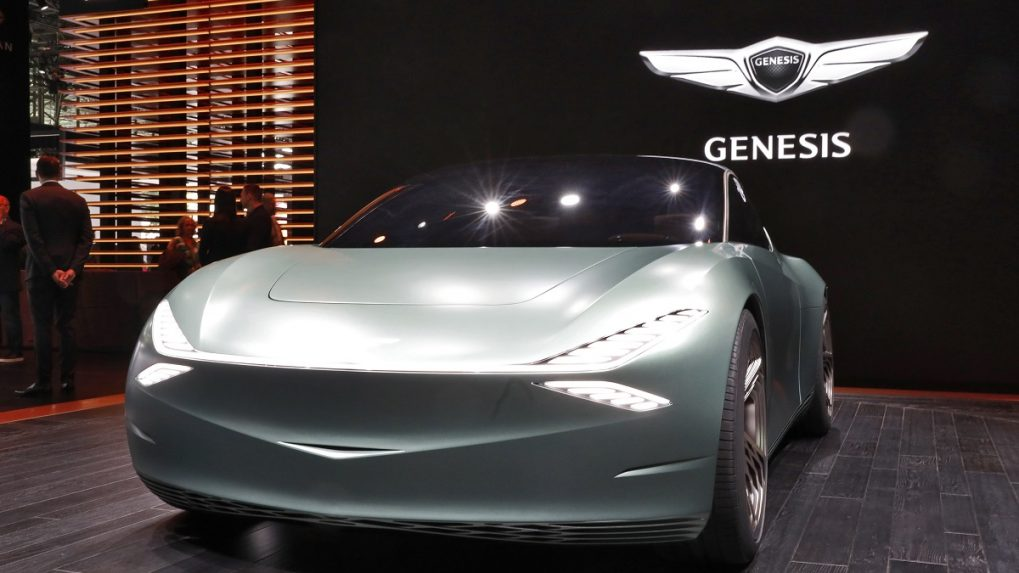 New York International Auto Show: Automakers invest heavily in electric vehicles despite still-low demand