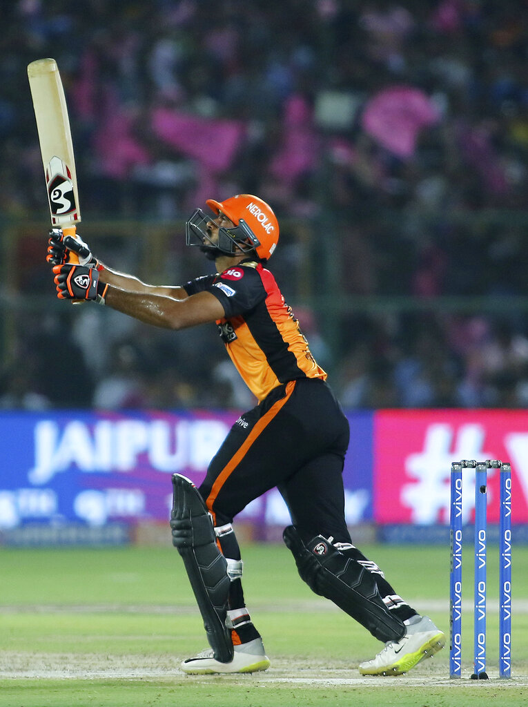 Sunrisers Hyderabad batsman Vijay Shankar plays a shot during the VIVO IPL T20 cricket match against Rajasthan Royals in Jaipur, India, Monday, April 27, 2019. (AP Photo/Vishal Bhatnagar)
