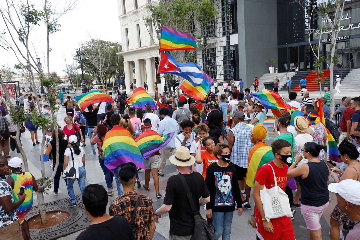 Cuban gay rights activists held an unauthorized independent pride parade in Havana on Saturday despite the Communist government warning against it and calling it subversive, an unprecedented show of civil society in the one-party state. REUTERS/Stringer