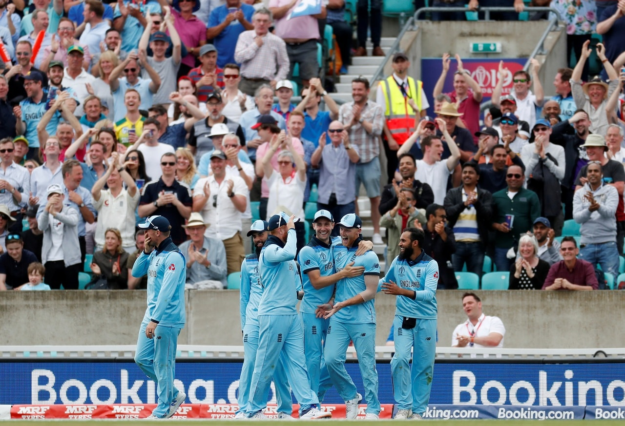 Cricket - ICC Cricket World Cup - England v South Africa - Kia Oval, London, Britain - May 30, 2019 England's Ben Stokes celebrates catching out South Africa's Andile Phehlukwayo with team mates Action Images via Reuters/Paul Childs