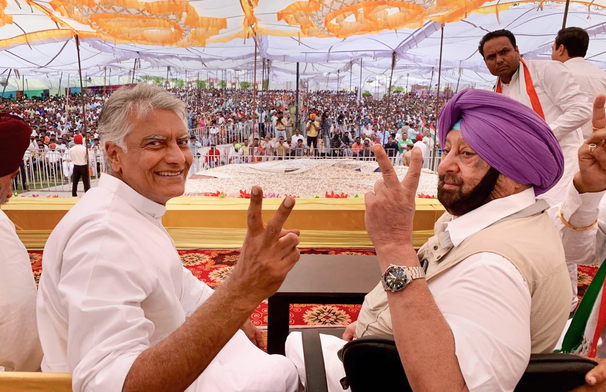 Pathankot: Punjab Chief Minister Amarinder Singh with Congress party's Gurdaspur candidate Sunil Jakhar during an election campaign rally for the ongoing Lok Sabha polls, in Pathankot, Saturday, May 11, 2019. (PTI Photo)(PTI5_11_2019_000074B)