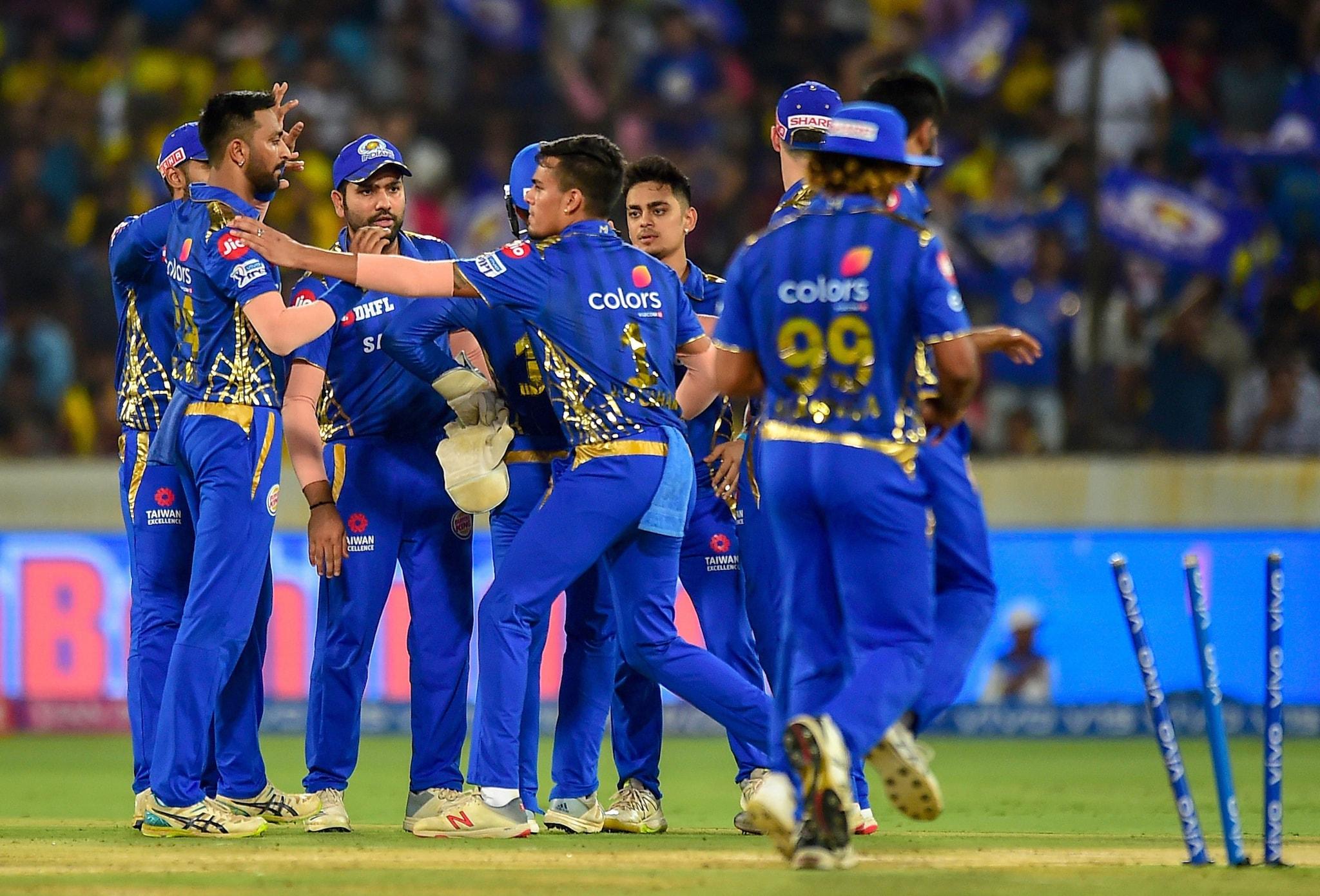 MI player Krunal Pandya celebrates with teammates after claiming the wicket of Chennai Super Kings (CSK) batsman Faf du Plessis | PTI