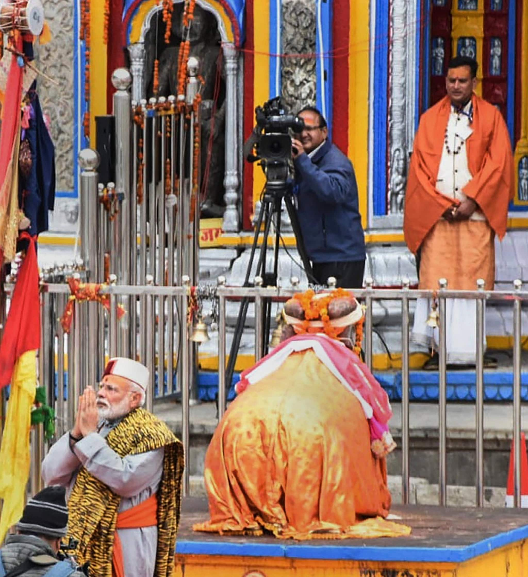 Kedarnath: Prime Minister Narendra Modi arrives at Kedarnath, for this two day pilgrimage to Himalayan shrines, in Rudraprayag district, Saturday, May 18, 2019. PM Modi will visit Badrinath on Sunday. (PTI Photo)(PTI5_18_2019_000051B)