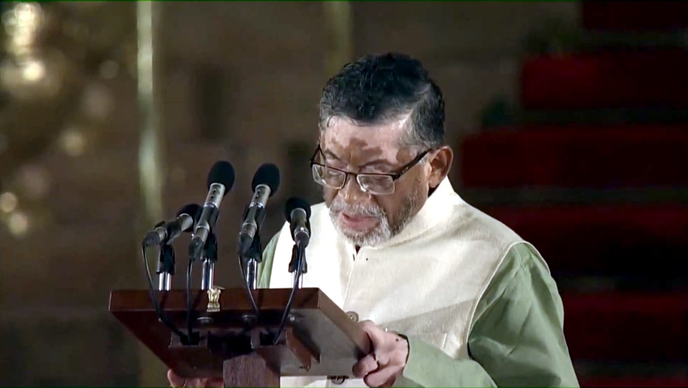 Mavelikkara BJP MP Santosh Gangwar takes oath as Union Minister at a swearing-in ceremony at Rashtrapati Bhavan in New Delhi on May 30, 2019. Santosh Kumar Gangwar, who was the Minister of State with independent charge in the Ministry of Labour and Employment takes oath in Modi's cabinet. Gangwar has been Member of Parliament from Bareilly since 1989 (Photo: IANS)