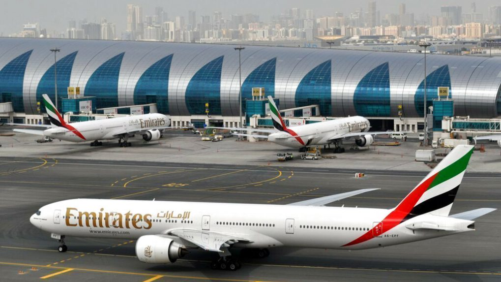 Emirates sacks 600 pilots in a day