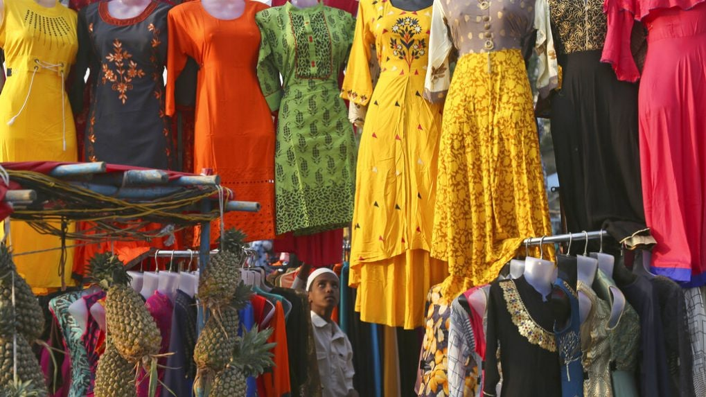 Apparel retail revenue to see 30-35% drop in FY21, says CRISIL