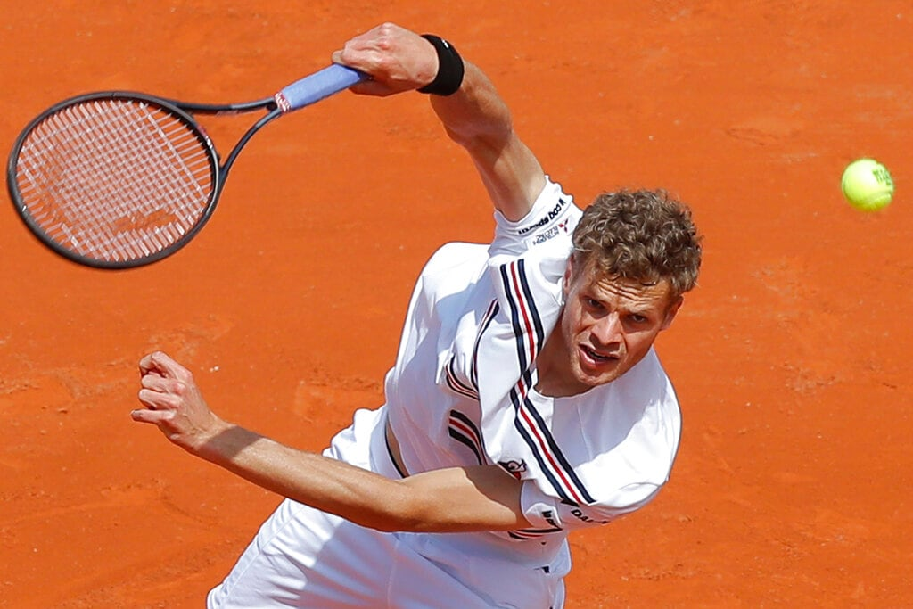 Germany's Yannick Hanfmann serves against Spain's Rafael Nadal during their first round match of the French Open tennis tournament at the Roland Garros stadium in Paris, Monday, May 27, 2019. (AP Photo/Michel Euler )