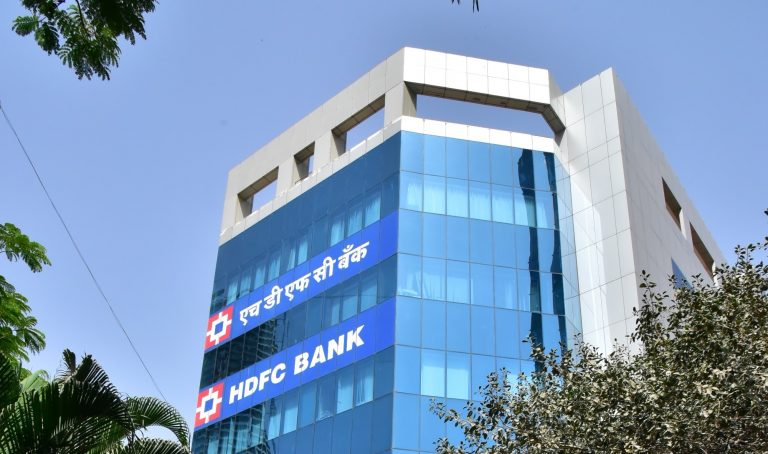 HDFC Bank to offer 2 million credit/debit cards to millennials