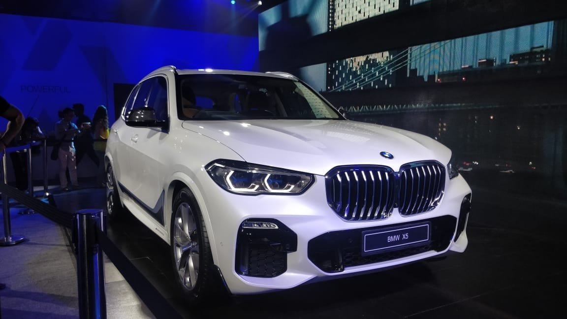 BMW unveiled its fourth generation BMW X5 on Thursday. The car is a Sports Activity Vehicle (SAV) and flaunts a modern design with refined interiors.