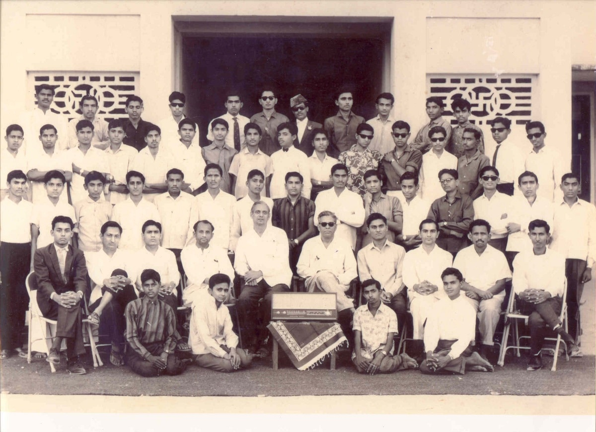 The image shows the Prime minister with his batch mates at school in Vadnagar.