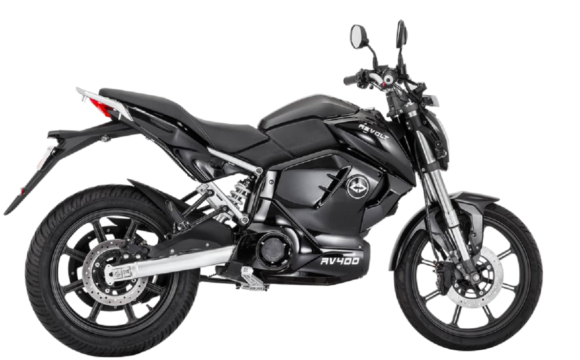 The bike also comes with battery swapping feature that allows a change of battery in the bike in just sixty seconds. This can be done at battery swapping stations or can be delivered to the desired location at a convenient time slot. (Revolt Motors)
