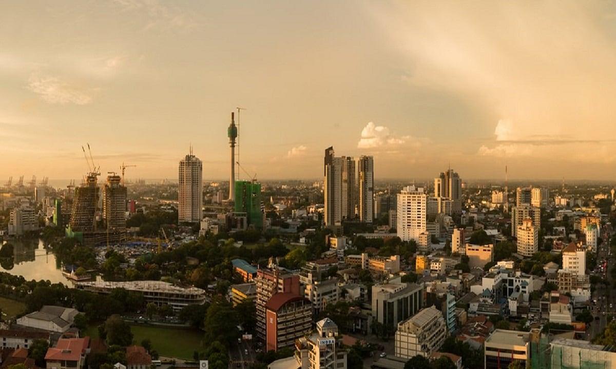 2: Colombo, Sri Lanka (Wikimedia Commons)