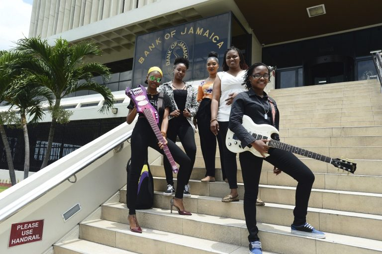 Economic reggae: Jamaican bank sells recovery with songs