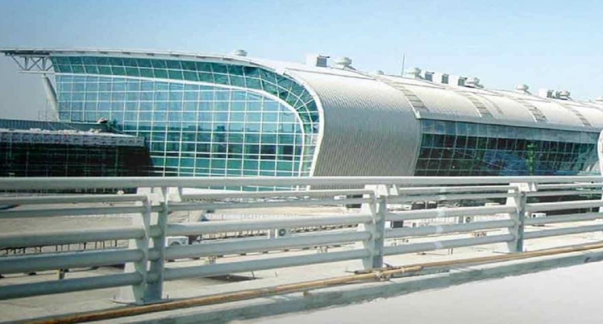 3: Chennai International Airport: 59.42 lakh passengers. (AAI website)