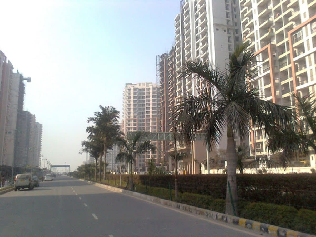 2) Ghaziabad: At second place another city located in the National Capital Region. Known as the 'gateway of Uttar Pradesh,' Ghaziabad is an industrial hub. (Source: Wikimedia Commons)