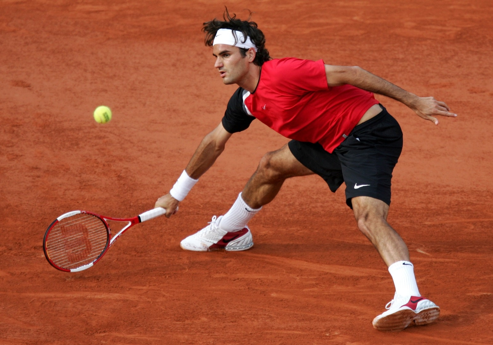 #5: Lawn tennis star Roger Federer of Switzerland earned $93.4 million in the last year, with a major chunk of his earnings i.e $ 86 million coming from endorsements. He earned a salary of $7.4 million in the last 12 months, Forbes said. (Image: Reuters)