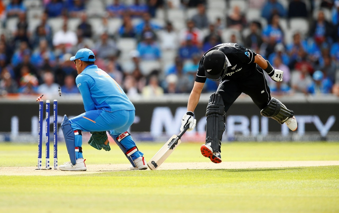 Cricket - ICC Cricket World Cup Semi Final - India v New Zealand - Old Trafford, Manchester, Britain - July 10, 2019 New Zealand's Ross Taylor is run out Action Images via Reuters/Jason Cairnduff9