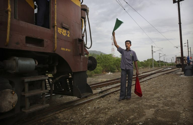 Cabinet approves 78-day bonus for railway employees