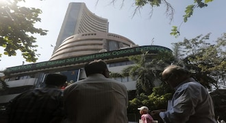 CNBC-TV18 Market HIGHLIGHTS: Sensex, Nifty start New Year 2020 on subdued note as banks drag indices