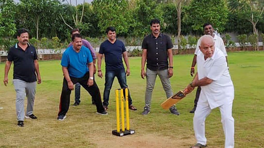 Karnataka: BS Yeddyurappa plays cricket with party MLAs as ruling Congress-JDS alliance gasps for survival