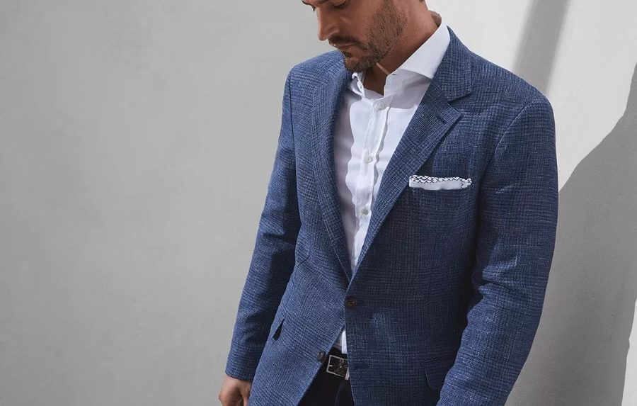 Want to wear casuals at work? Here are a few tips