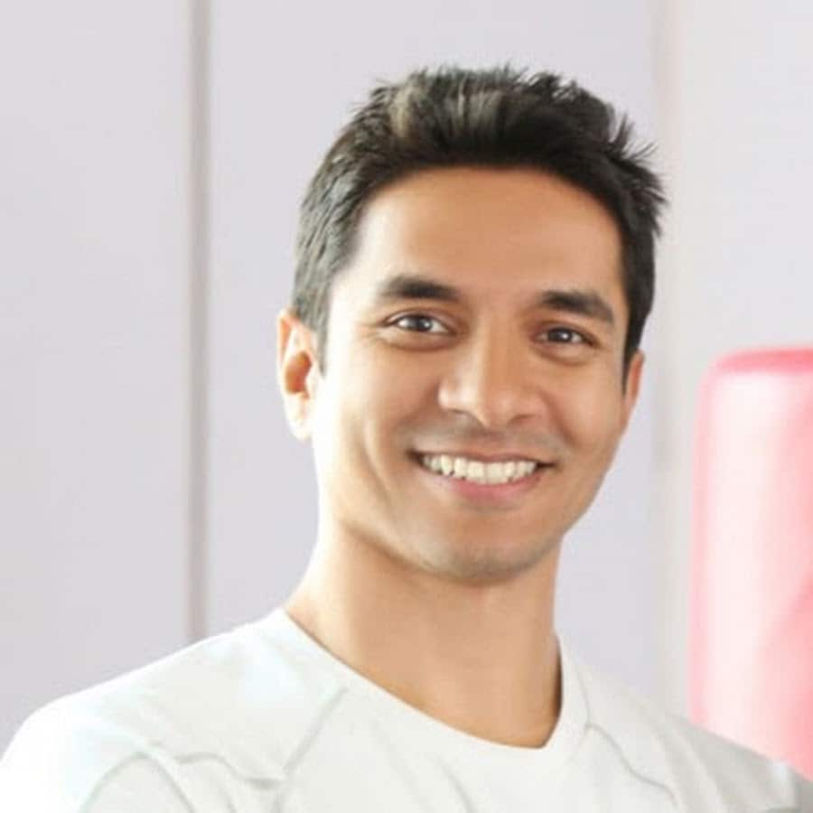 <strong>Luke Coutinho -</strong>The holistic nutritionist practices in the field of Integrative and Lifestyle Medicine, and is also a motivational speaker. He co-authored the globally acclaimed book 'The Great Indian Diet' with Shilpa Shetty. Luke is working on bringing out the best results in cancer patients from across the world using 'integrative healing' methods.