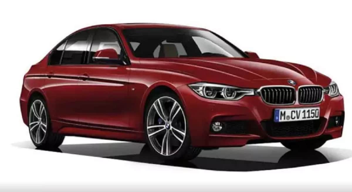 <strong>BMW 3 Series:</strong> The next-generation BMW 3 Series is all set to make its debut in India in August. The completely redesigned model will come in both petrol and diesel variant and could be priced approximately Rs 50 lakh. (Source: www.carwale.com)