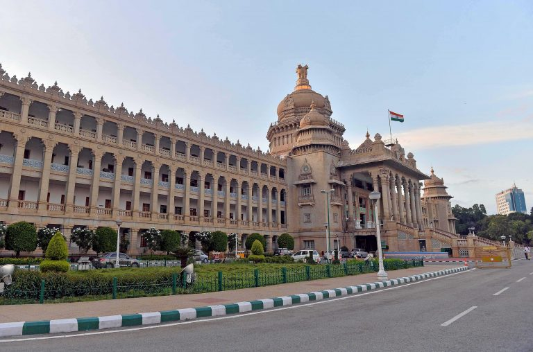 Karnataka Assembly begins for crucial floor test
